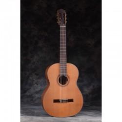 Guitarra Clásica MARTINEZ España ES-04C Tapa de Cedro Brillo